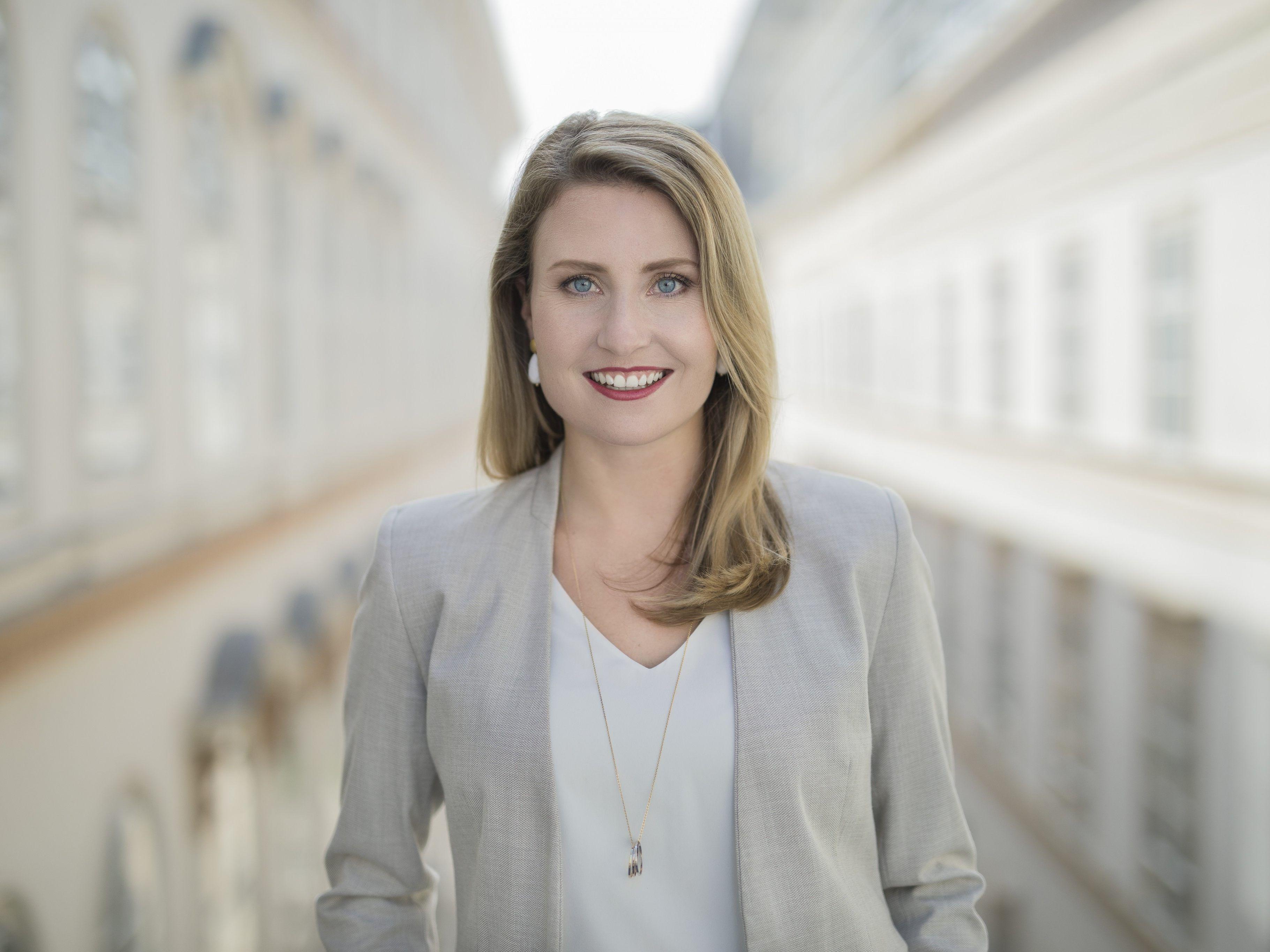 Ministerin Raab: Mssen uns von Schubladen lsen | comunidadelectronica.com