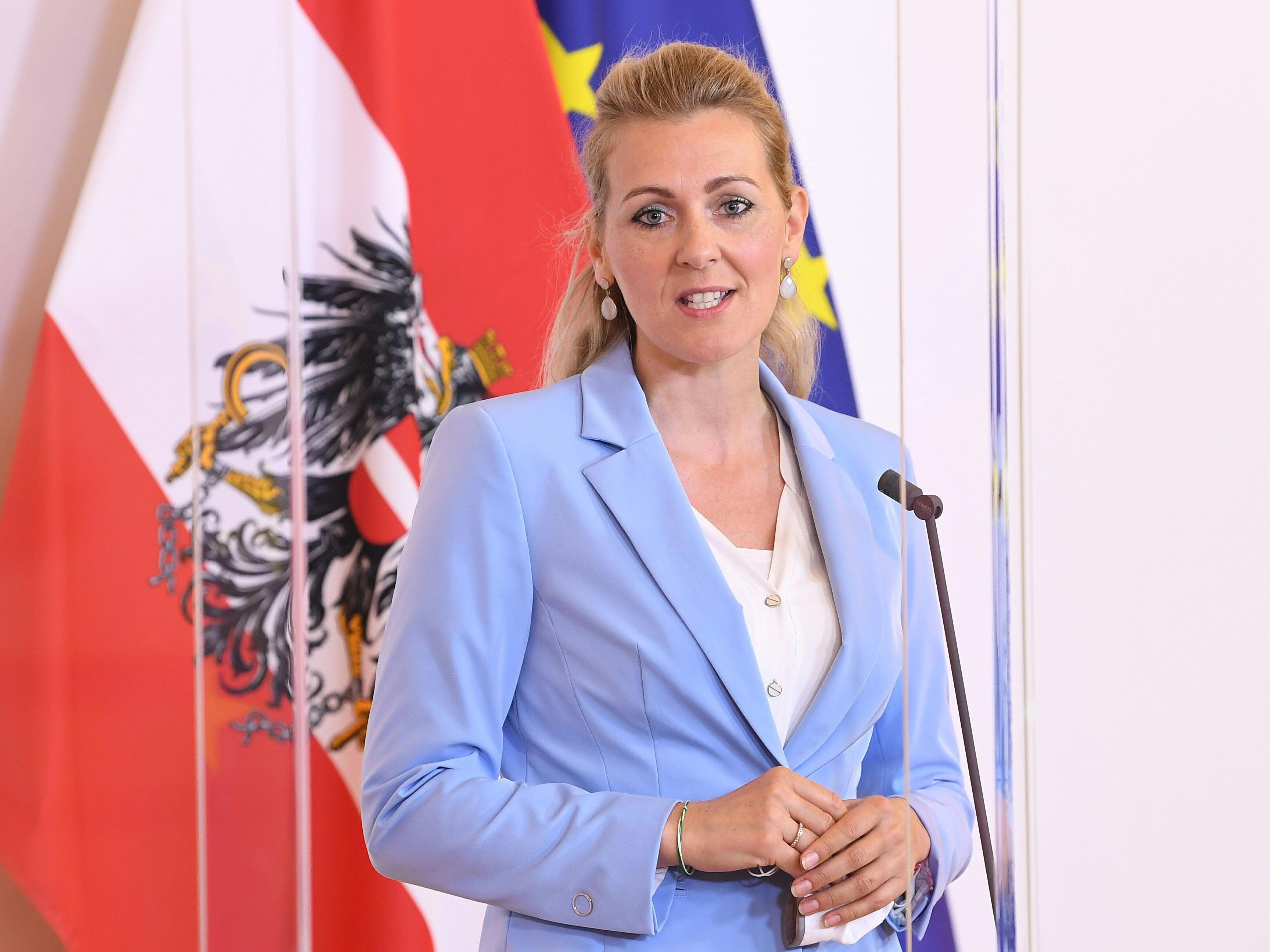 Familienhartefonds Erst 4 Von 60 Mio Euro An Familien Ausbezahlt Coronavirus Wien Vienna At