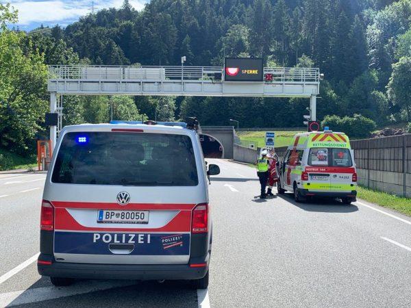 Schwerer Unfall im Achraintunnel - Totalsperre