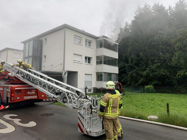 Nach Kellerbrand in Hard - Zwei Bewohner im Spital