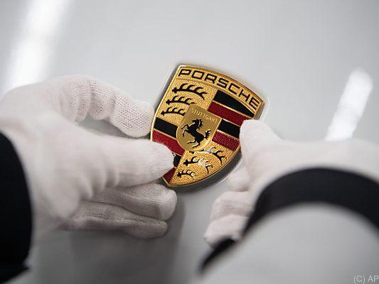 Kraftfahrt-Bundesamt ermittelt: Porsche prüft Manipulationsverdacht bei Benzinmotoren