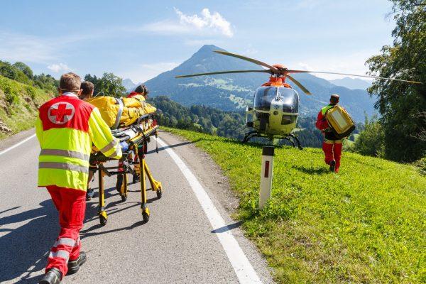 Motorrad-Unfall: 51-Jähriger landet im Wald