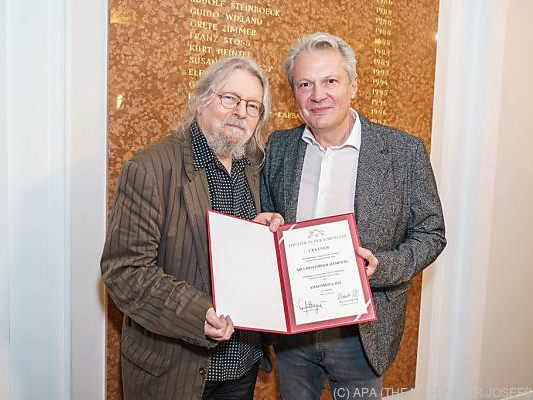 Regisseur Christopher Hampton (links) ist nun Ehrenmitglied
