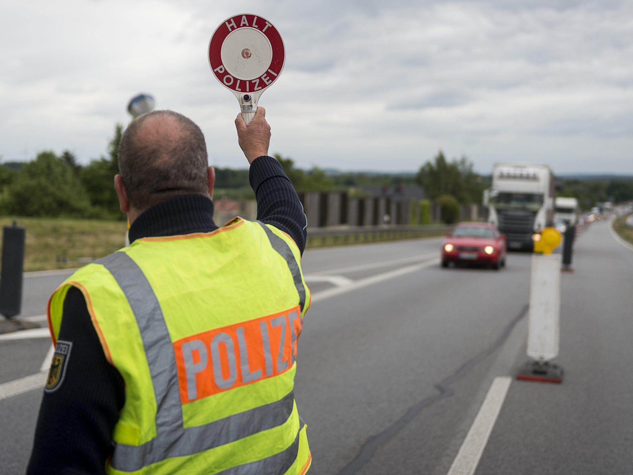 Mann schmuggelt Gemälde im Wert von 130'000 Franken über die Grenze