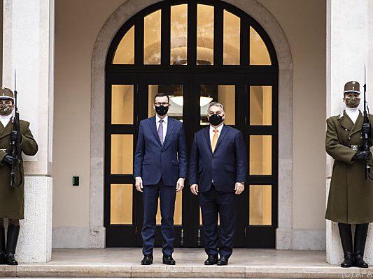 Streit um Rechtsstaatsklausel - Polen und Ungarn bekräftigen Veto gegen EU-Haushalt