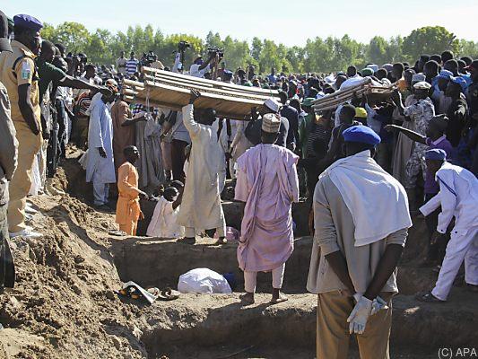 Nigeria: Mindestens 110 Tote bei Angriff auf Dorf