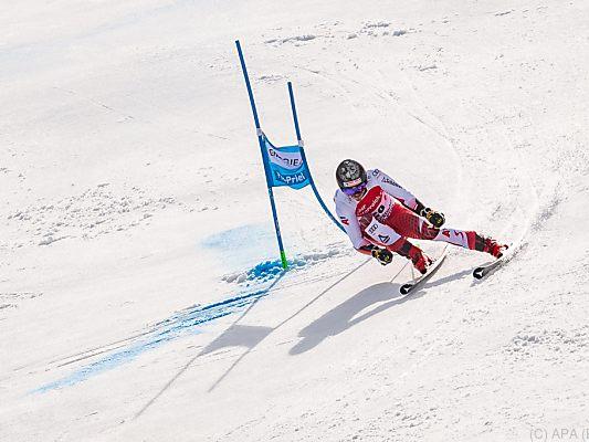 Ski-Asse-Feller-und-Schwarz-in-Santa-Caterina-am-Start