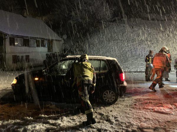 Schneefälle machen Autofahrer zu schaffen