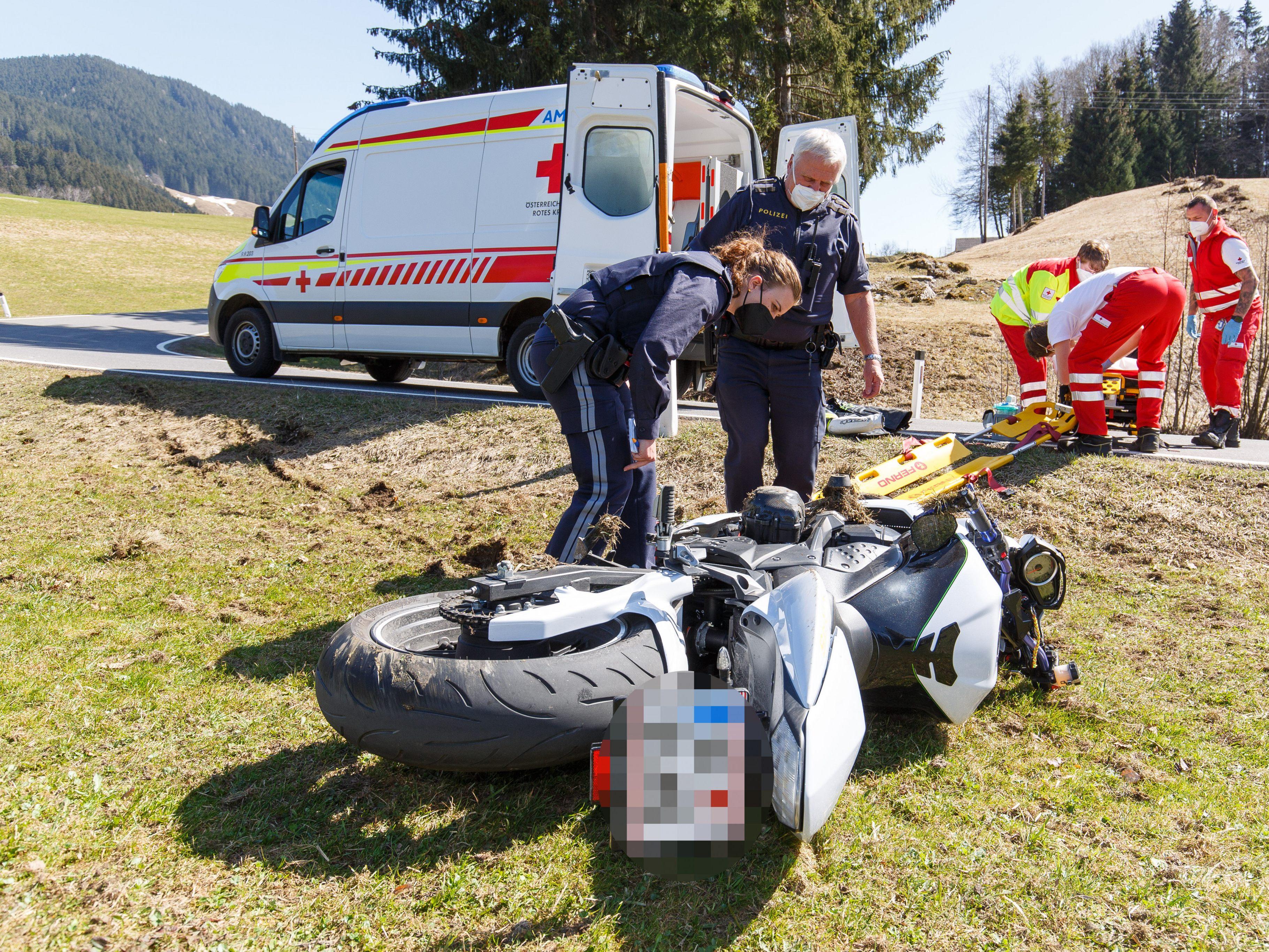 Ein 33-Jähriger wurde bei einem Motorradunfall verletzt.