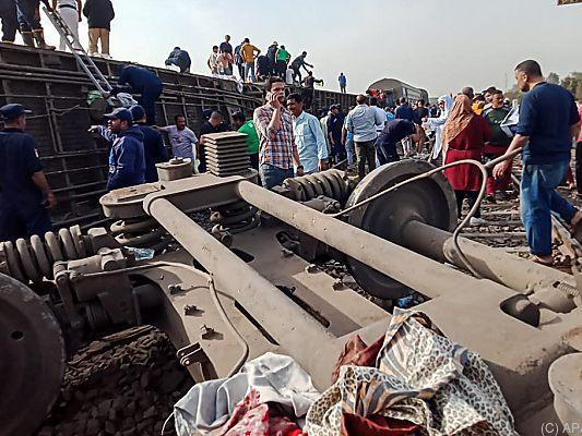 Zugungl-ck-in-gypten-neun-Tote-und-rund-100-Verletzte