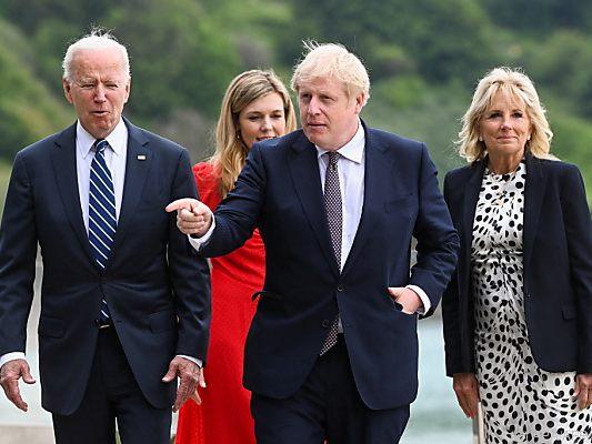 US-Präsident Biden mit dem Gastgeber, Großbritanniens Premier Johnson