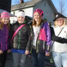 Julia, Lara, Jasmin und Fabienne beim Marktrundgang. - Julia, Lara, Jasmin und Fabienne beim Marktrundgang.