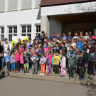 Kindergarten- und Volkschulkinder - ein großer Gesamtchor - Kindergarten- und Volkschulkinder - ein großer Gesamtchor