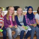 Die Sibratsgfäller Kinder freuen sich über die Naturparkschule. - Die Sibratsgfäller Kinder freuen sich über die Naturparkschule.
