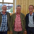 Interessiert: Richard Natter, Konrad Stadelmann und Klaus Steurer. - Interessiert: Richard Natter, Konrad Stadelmann und Klaus Steurer.