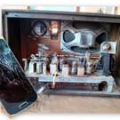 Vom neuen Handy bis zum alten Radio wird den Dingen im Reparaturcafé neues Leben eingehaucht. - Vom neuen Handy bis zum alten Radio wird den Dingen im Reparaturcafé neues Leben eingehaucht.
