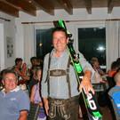 Helmut Bein freute sich über seinen Tombolagewinn. - Helmut Bein freute sich über seinen Tombolagewinn.