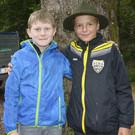 Auch Julian und Laurin warten auf die Heimkehrer von den Alpen. - Auch Julian und Laurin warten auf die Heimkehrer von den Alpen.