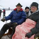 Stolz sitzt der Jubilar auf der Kutsche - Stolz sitzt der Jubilar auf der Kutsche