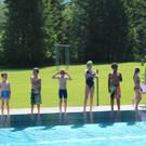 Die Schwimmer stellen sich auf. - Die Schwimmer stellen sich auf.