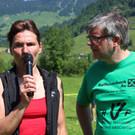 Kampfrichterin Marlies Feurstein vom Thriatlonverband und Moderator Martin Strolz.  - Kampfrichterin Marlies Feurstein vom Thriatlonverband und Moderator Martin Strolz.