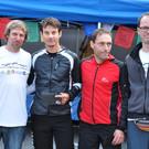 Die Organisatoren Jürgen Strolz (links) und Eric Leitner von ROKPA (rechts) mit den Männern, die den letzten Streckenabschnitt am Schnellsten bewältigten. - Die Organisatoren Jürgen Strolz (links) und Eric Leitner von ROKPA (rechts) mit den Männern, die den letzten Streckenabschnitt am Schnellsten bewältigten.